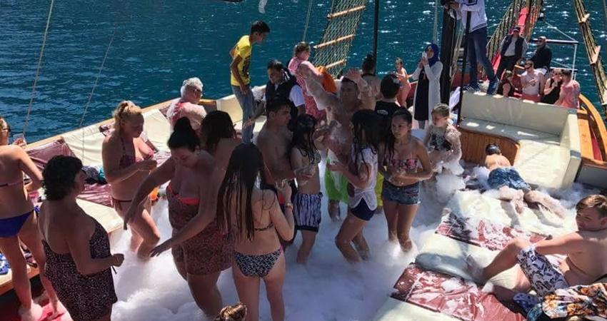 icmeler Pirate Boat Trip