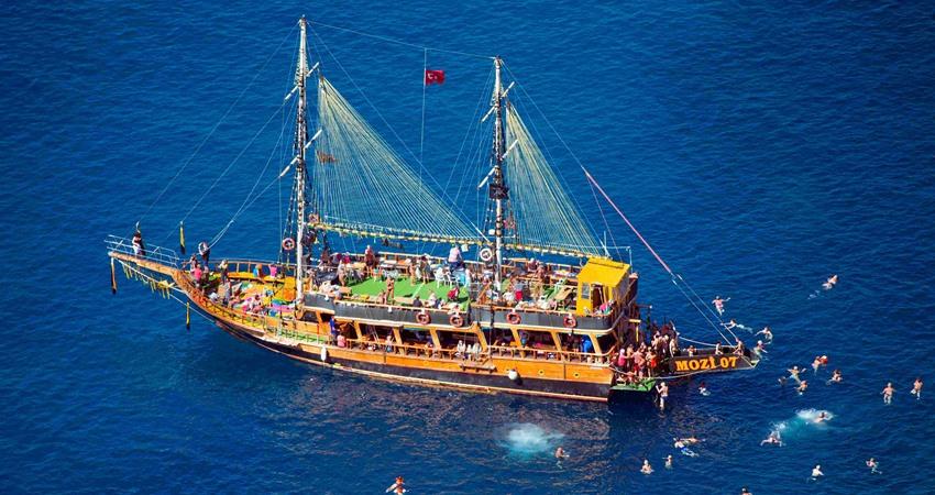 Side Blue Lagoon Boat Trip