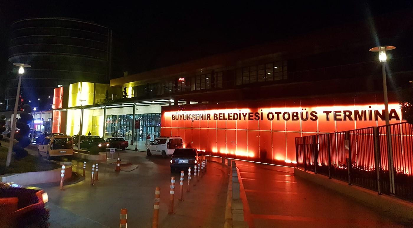 How far is Denizli from Pamukkale?