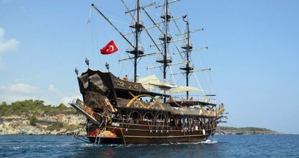 bodrum pirate boat trip