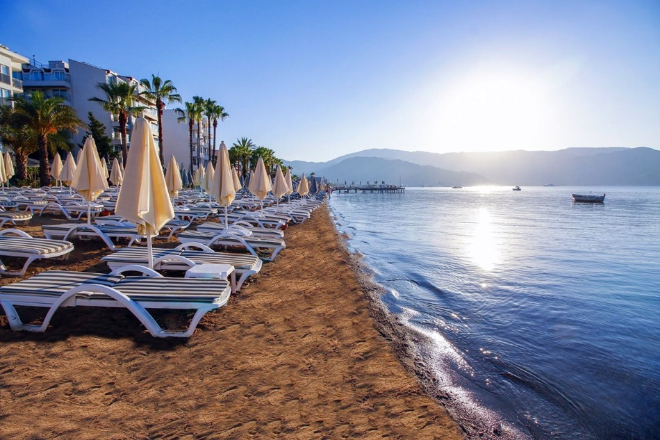 What are the beaches like in Marmaris