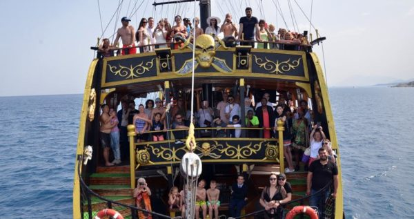 bodrum party boat